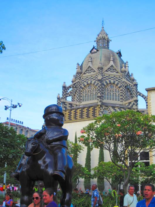 Statue by the beloved Colombian artist Botero in front of City Hall