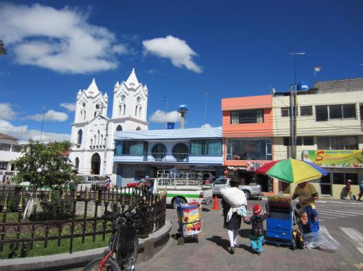 Saquisili main square
